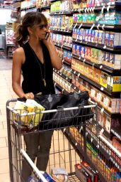 Halle Berry - Grocery Shopping in Beverly Hills, September 2015