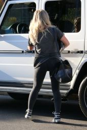 Hilary Duff Booty in TIghts - Los Angeles, September 2015
