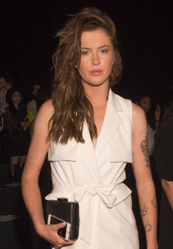 Ireland Baldwin - Badgley Mischka Spring 2016 Fashion Show in New York City