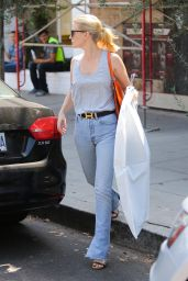 January Jones - Shopping at Zimmermann on Melrose Place in West Hollwood, September 2015