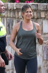 Jennifer Aniston - Set of Mother