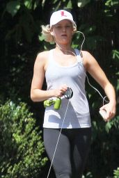 Jennifer Lawrence Jogging in Atlanta, September 2015