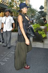 Jessica Alba at Her Hotel in NYC, September 2015