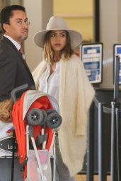 Jessica Alba at Los Angeles International Airport, September 2015