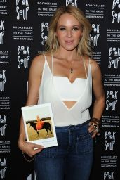 Jewel Kilcher - Signs Her New Book at Book Soup in West Hollywood