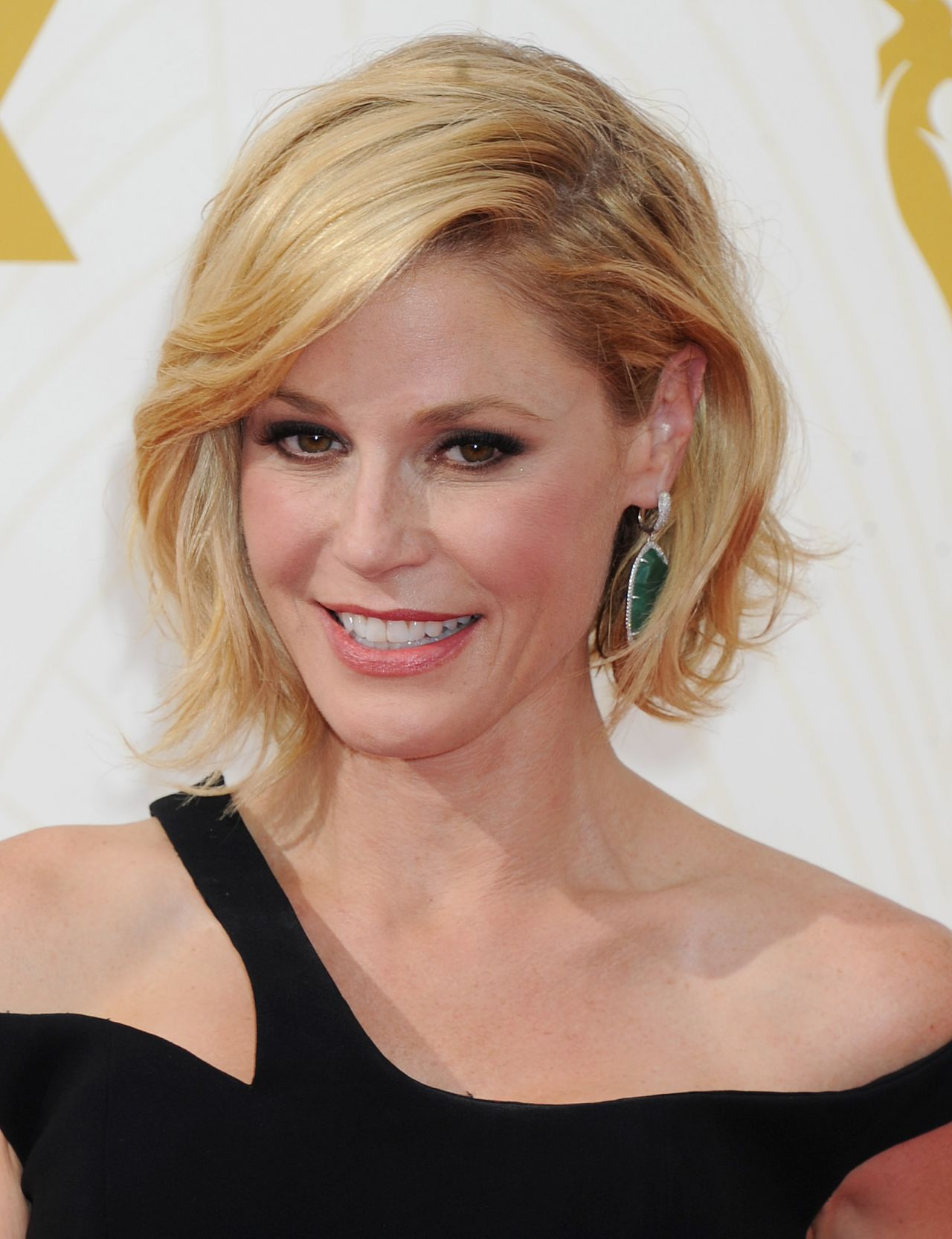 Julie Bowen 2015 Primetime Emmy Awards In Los Angeles