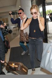Kate Hudson Airport Style - at LAX, August 2015