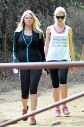 Kate Upton at Runyon Canyon in Los Angeles, September 2015
