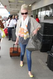 Katherine Heigl - at LAX Airport, September 2015