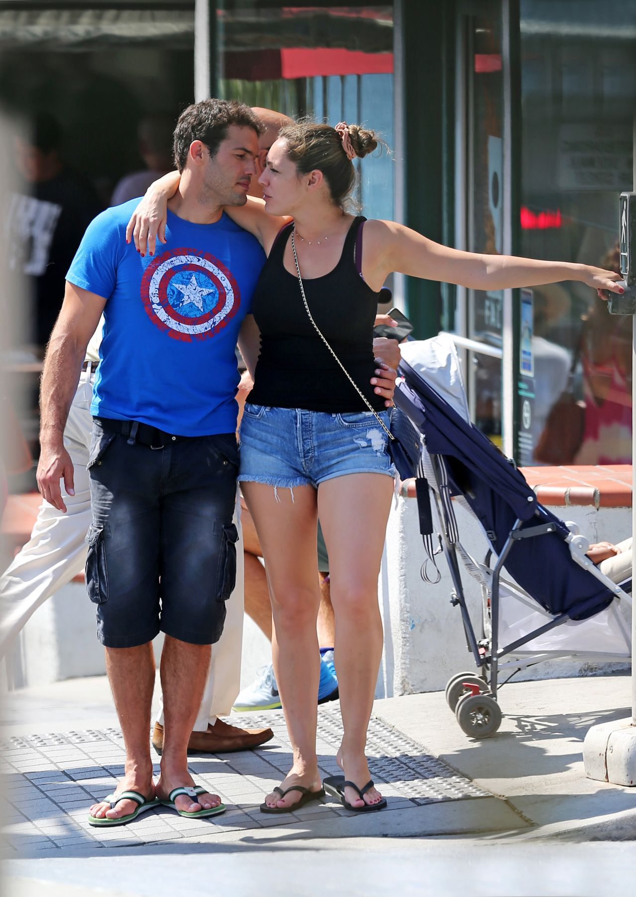 Kelly Brook Amp Boyfriend Jeremy Parisi Out In Manhattan