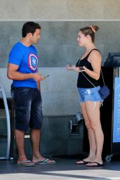 Kelly Brook & Boyfriend Jeremy Parisi - Out in Manhattan Beach, September 2015