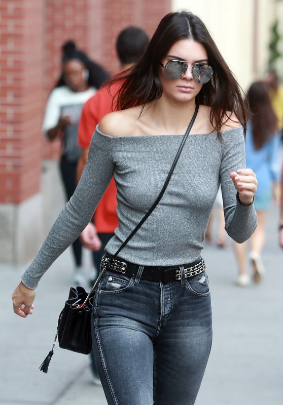 Kendall Jenner Casual Style – Leaving Her Apartment in New York City, September 2015