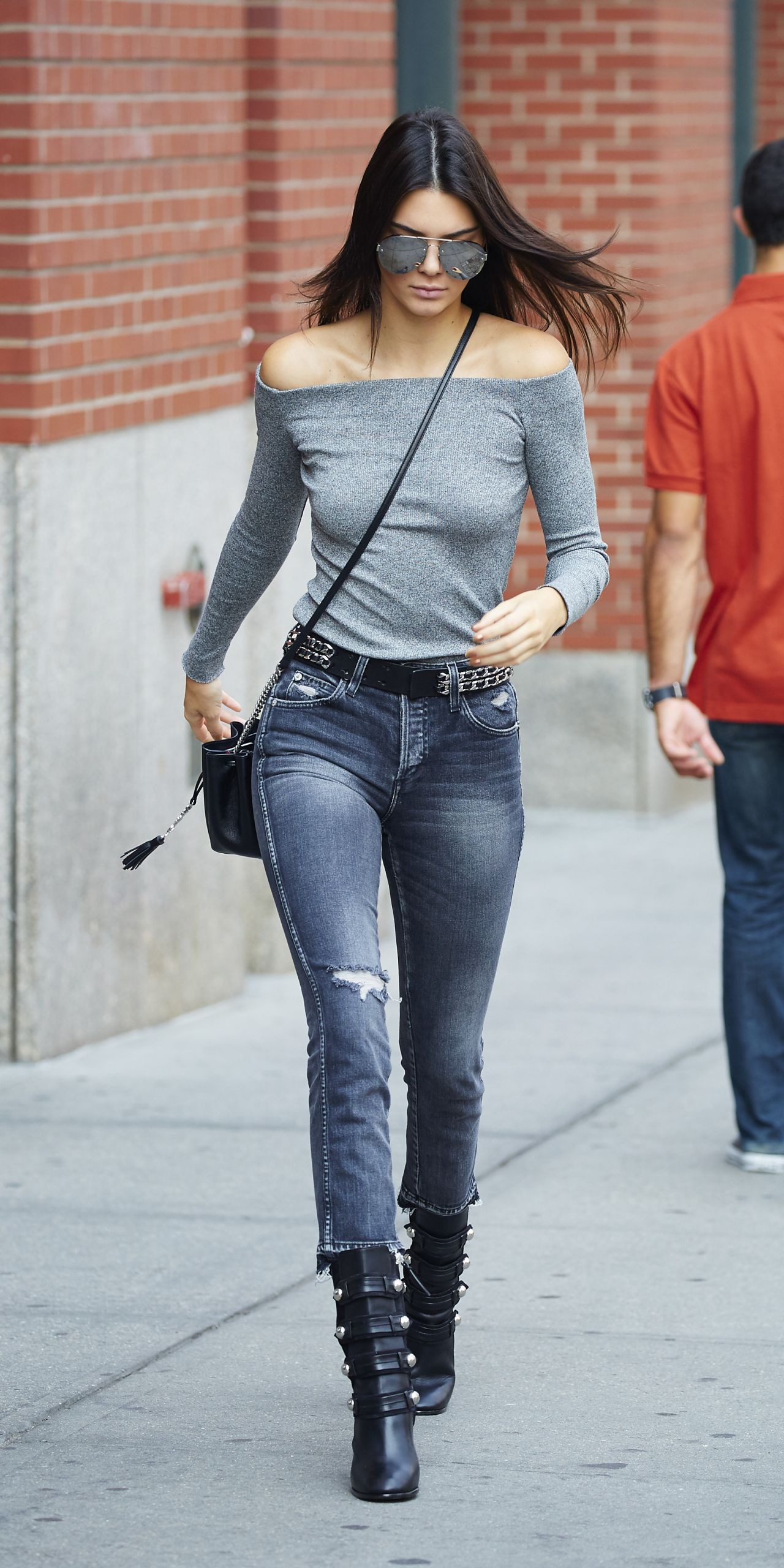 Kendall Jenner Casual Style Leaving Her Apartment In New York City September 2015