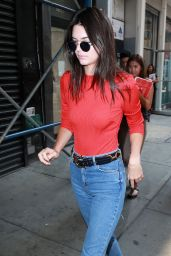 Kendall Jenner Casual Style - Leaving Her Apartment in NYC, September 2015