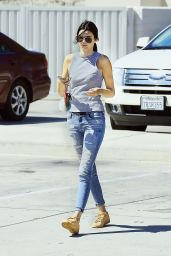 Kendall Jenner - Heading into In-N-Out For Lunch in Sherman Oaks, September 2015