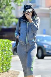 Kylie Jenner Booty in Leggings - Laving a Gym in Calabasas, September 2015