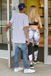 Kylie Jenner Booty in Tights at the Westfield Mall in Calabasas, September 2015
