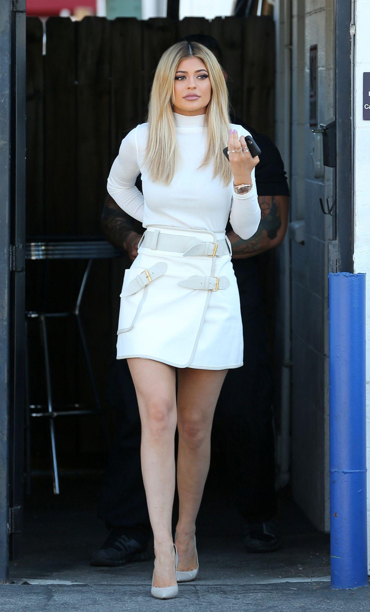 99b6fc1d9af Kylie Jenner Style - Leaving a Studio in LA