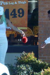 Kylie Jenner With Boyfriend Tyga - Popeye