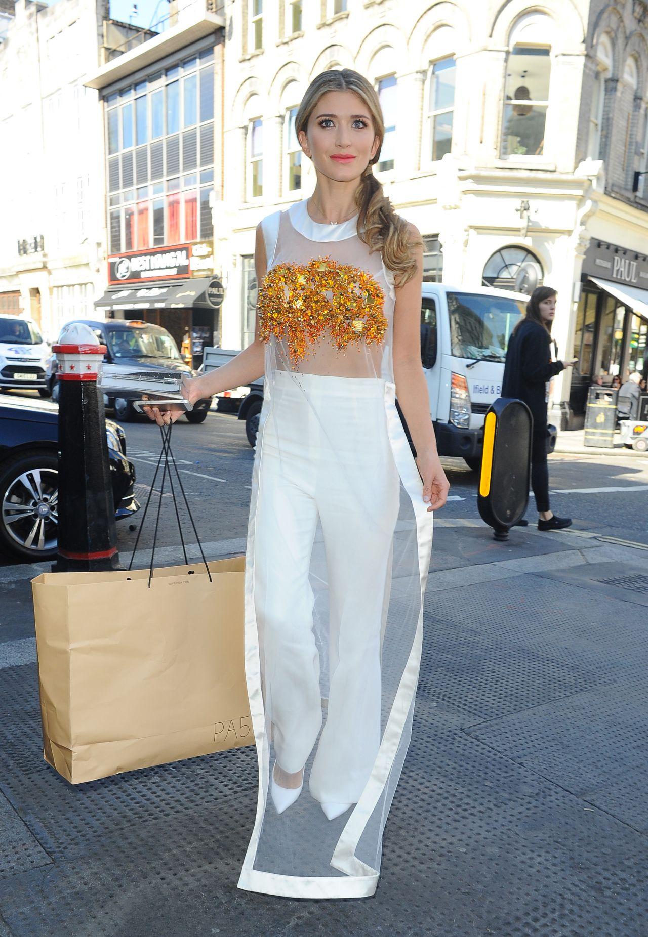 Lauren Frazer Hutton Julien Macdonald Spring Summer 2016 Collection London Fashion Week