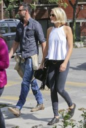 Malin Akerman Enjoys a Walk in Toronto With Her New Beau, September 2015