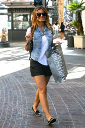 Maria Menounos Casual Style - Shopping at the Grove in West Hollywood, September 2015