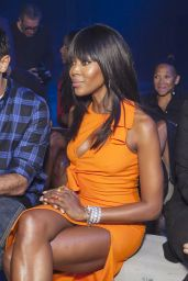 Naomi Campbell - Moschino Fashion Show in Milan, September 2015