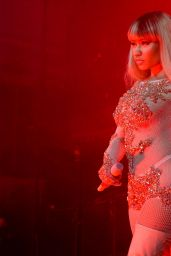 Nicki Minaj - Preforming at the Givenchy Party - Milan Fashion Week S/S 2016