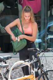 Nina Agdal in Leggings - Going to a Gym in Miami, September 2015