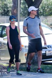 Reese Witherspoon in Leggings - Jogging in Santa Monica, September 2015