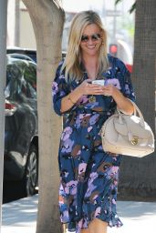 Reese Witherspoon Street Fashion - Out in Los Angeles, September 2015