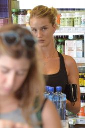Rosie Huntington-Whiteley at Earth Bar in West Hollywood, September 2015
