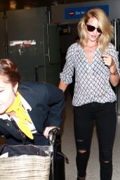 Rosie Huntington-Whiteley at LAX Airport, September 2015