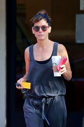 Sandra Bullock Chats With Friends at Subway in Sherman Oaks, September 2015