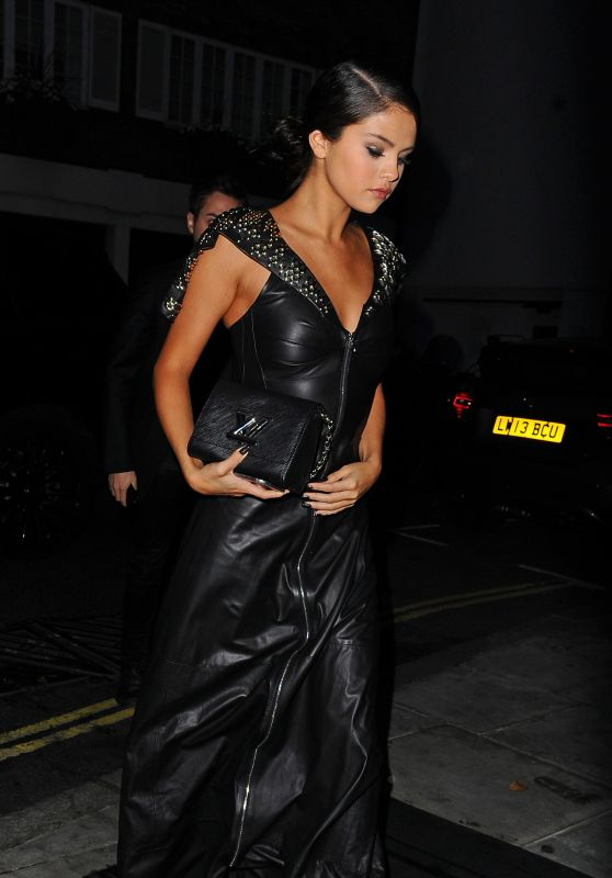Selena Gomez - Arriving at a hotel in London - September 2015