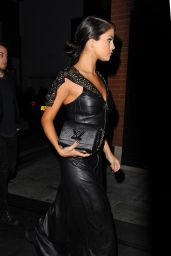 Selena Gomez - Arriving at a hotel in London - September 2015