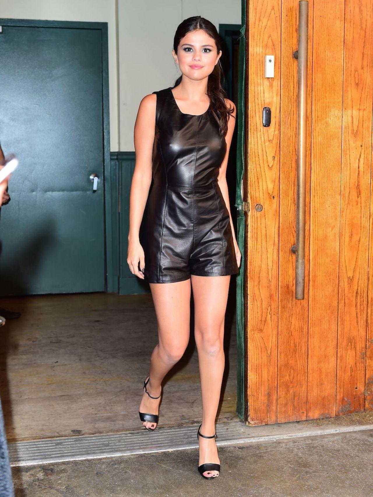 Selena Gomez - Polo Ralph Lauren Spring 2016 Fashion Show ...
