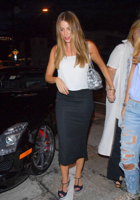 Sofia Vergara - Arriving at Craig