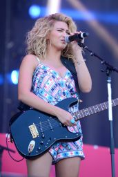 Tori Kelly - 2015 iHeartRadio Music Festival in Las Vegas