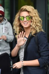 Tori Kelly - BBC Breakfast in Manchester, September 2015