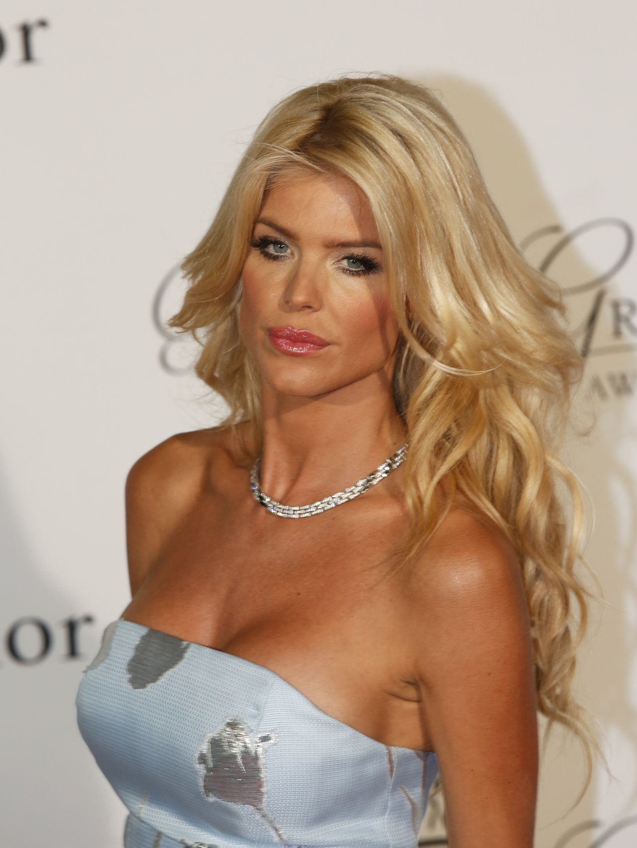 victoria silvstedt saturday night