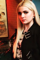 Abigail Breslin - Bust Magazine October/November 2015