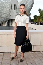 Alicia Vikander – Louis Vuitton Fashion Show – Paris Fashion Week S/S 2016: Day Nine