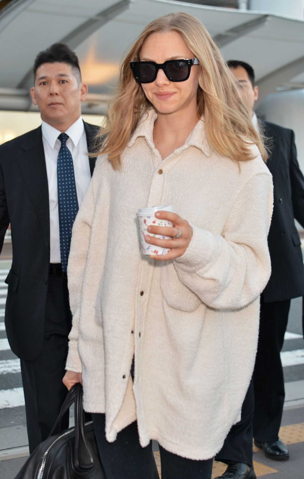 Image result for amanda seyfried in the airport