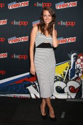 Amy Acker - Promoting Person of Interest at 2015 New York Comic-Con