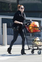 Amy Adams - Shopping in Los Angeles, October 2015