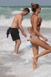 April Love Geary BIkini Candids - Enjoying a Day at the Beach in Miami, October 2015