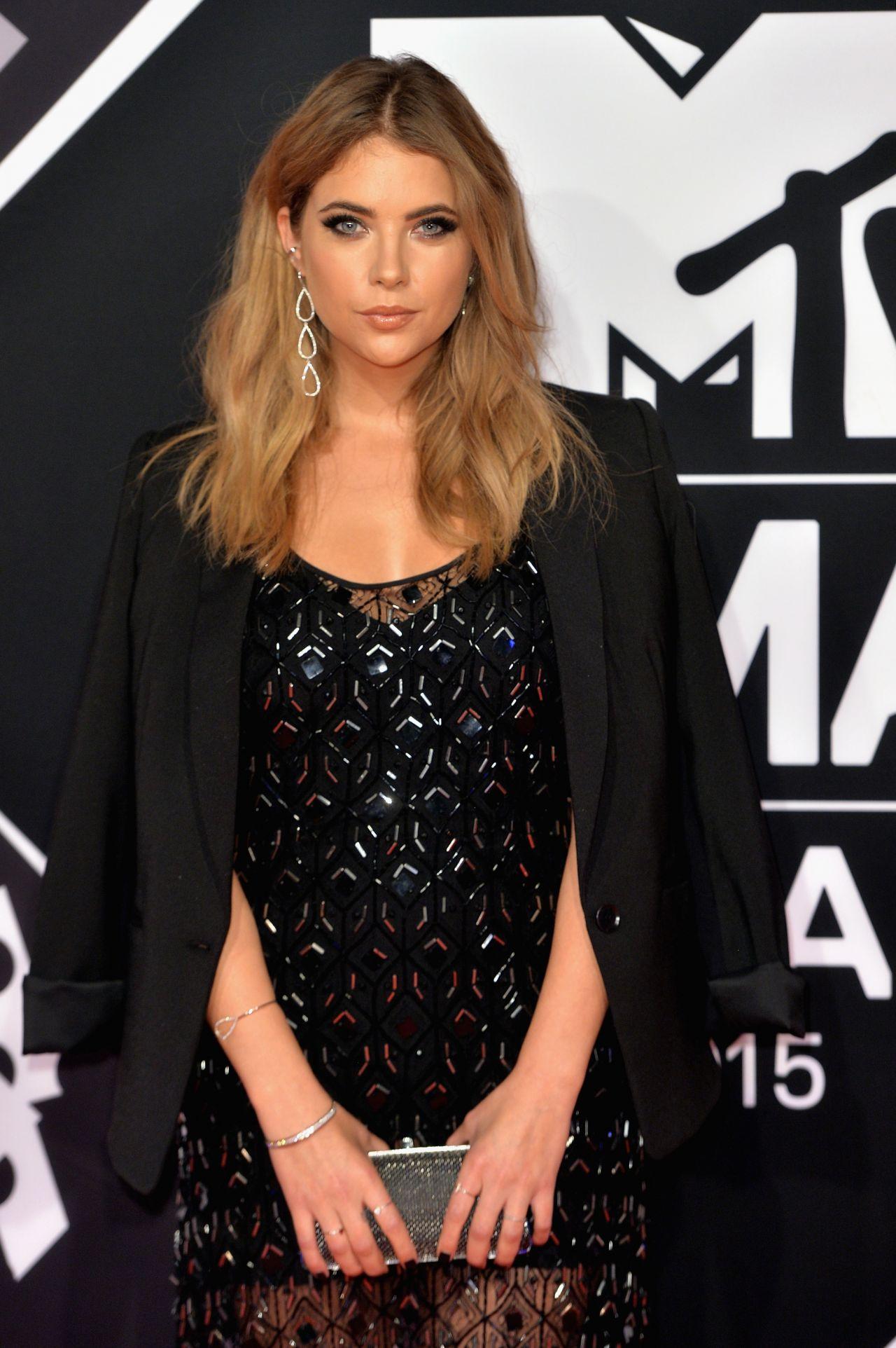 Ashley Benson Talks Chronically Metropolitan Dating: 2015 MTV European Music Awards In Milan, Italy