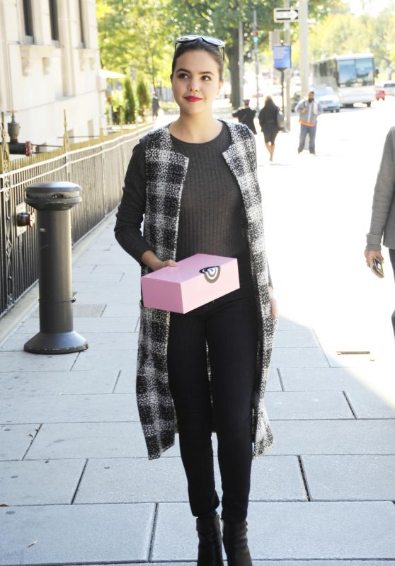 Bailee Madison - Out in Washington, DC, October 2015