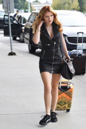 Bella Thorne - at Vancouver International Airport, October 2015